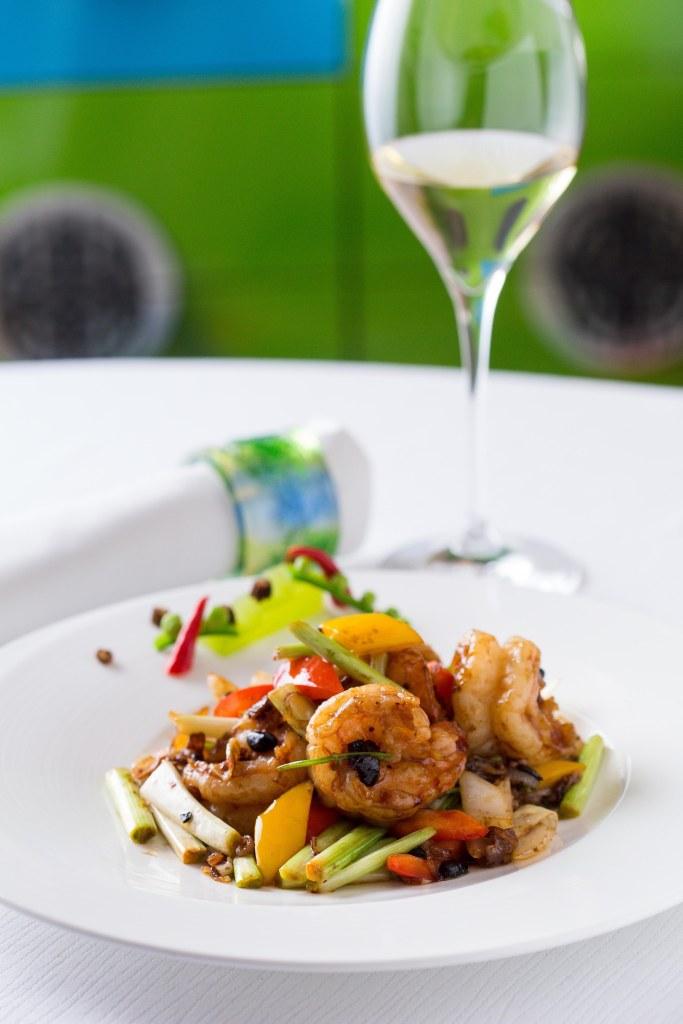 金殿堂及金殿堂貴賓廳於10月期間推介多款德國雷司令餐酒配上各式中饌,令美食體驗更呈立體完美