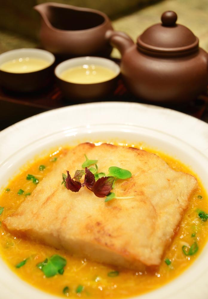 蟹粉香煎銀鱈魚