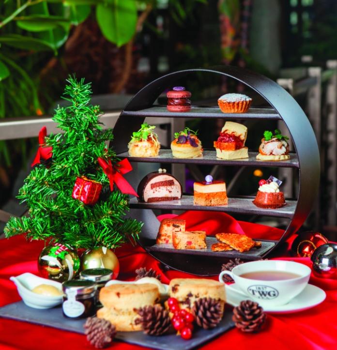 Xmas Tea Set at Palms